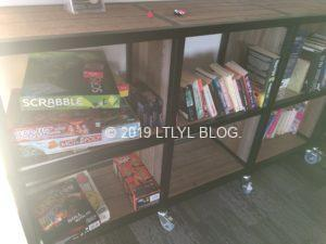 レイクテカポにあるYHAのラウンジにあるゲームと本