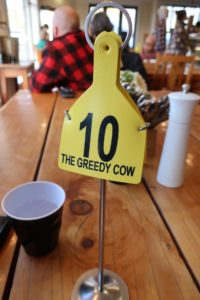 The Greedy Cowのオーダー番号が牛の耳につける耳標