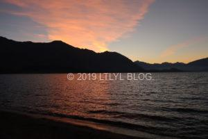 Wanakaの湖の夕暮れ時