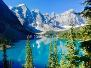 カナダの世界一美しいモレーン湖