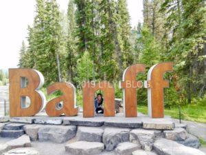 Banffの看板で記念撮影