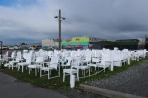 185の白い椅子