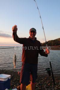 ようやく釣れた魚とフラットメイト