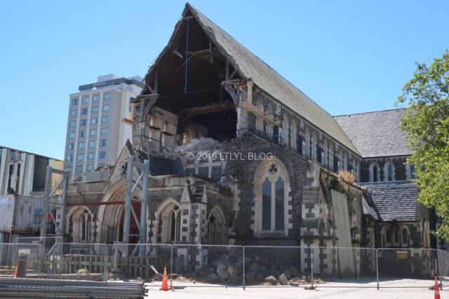地震後のクライストチャーチ大聖堂の現在は?仮設の「紙の教会」とは | LTLYL BLOG (リトリル ブログ)