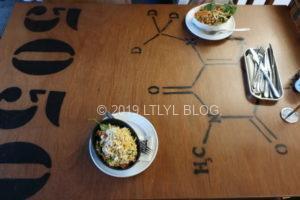 BUNSENのテーブル
