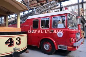 トラムと昔の消防車