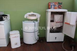 昔の洗濯機と乾燥機