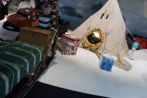 探検隊のテントやそり