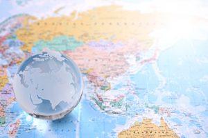 地球儀とマップ