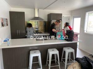 Airbnbで借りた家のキッチン