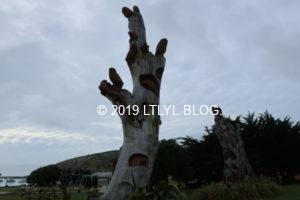 木で出来たオブジェ